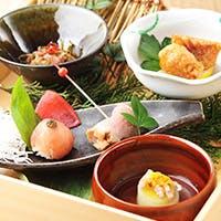 季節の食材を織り交ぜた懐石料理
