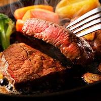 当店自慢の肉厚ステーキを含む豪快な肉料理達をお楽しみください