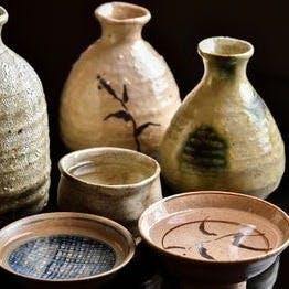 趣のある器で呑む日本酒