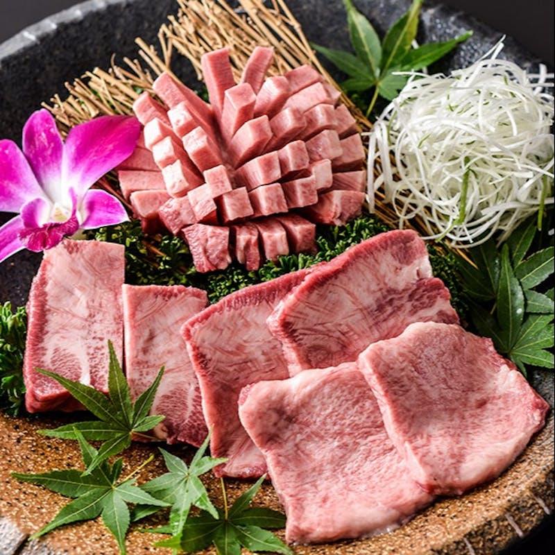 【堪能コース】和牛刺身と肉寿司の盛合わせ・ミスジとランプの食べ比べ・厳選和牛盛合わせなど全9品