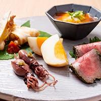 和食をベースにお酒や季節の料理を堪能ください