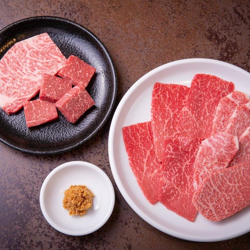 【おすすめコース】和牛ユッケ、タン塩、タレ塩焼盛合わせ、焼すきなど13品(2名から)