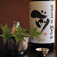 毎週入れ替わる絶品日本酒をご堪能
