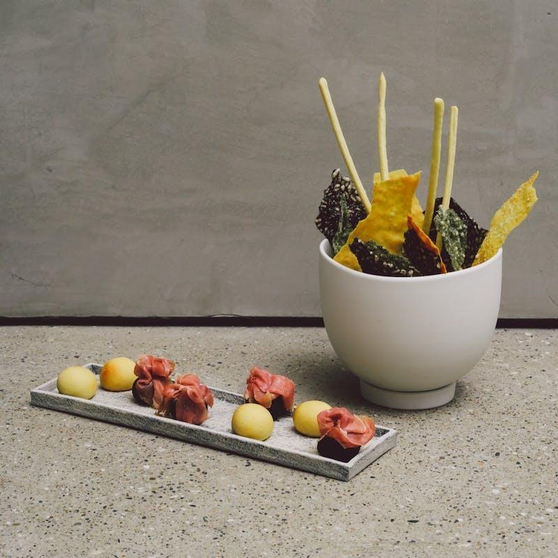 【ブッフェプラン】前菜6種や主菜4種など+2時間飲み放題(立食)