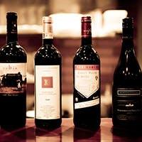 JSA認定ソムリエの厳選ワインを多数ご用意しております