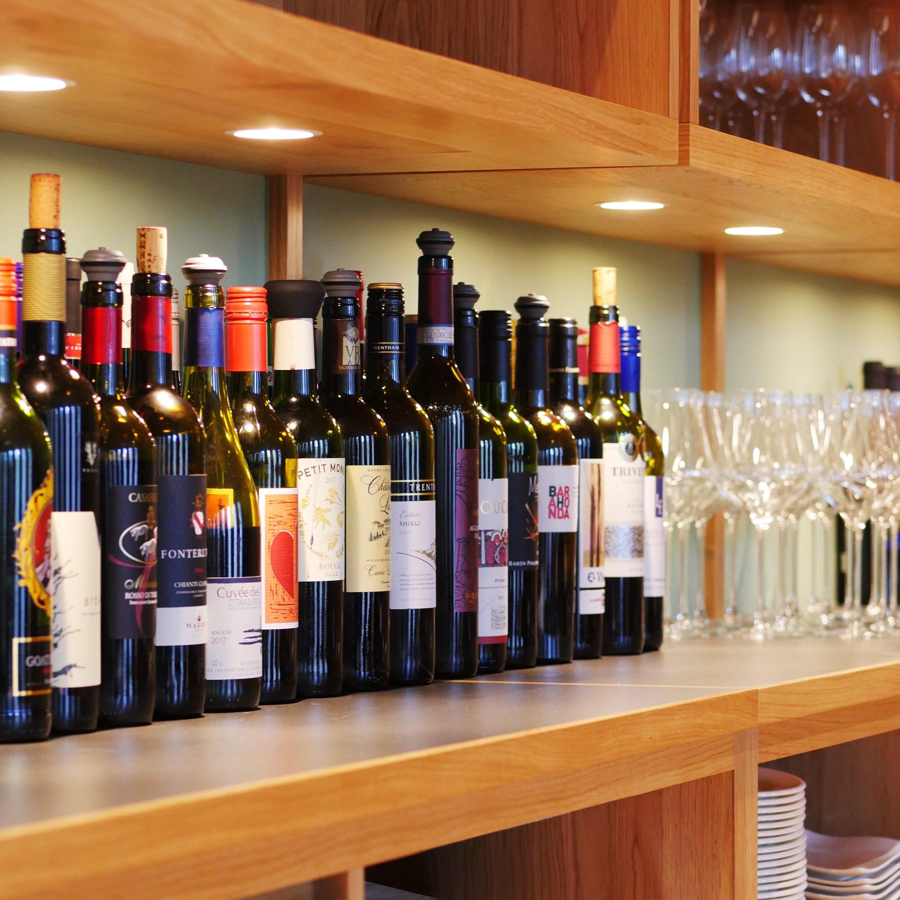 100種類のワインが「時間無制限」で飲み放題