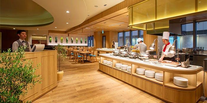 記念日におすすめのレストラン・2階 オールデイダイニング セリーナ/ホテル日航大分 オアシスタワーの写真2