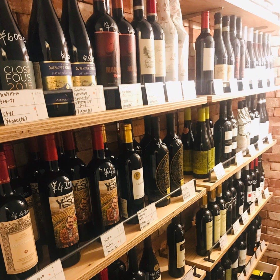 手に取りお選びできるワイン庫は圧巻