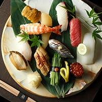 厳選素材の持ち味を最大限に活かした寿司