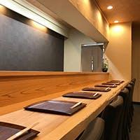 洗練された上品な空間で味わう京料理