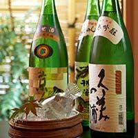 全国の蔵元より取り寄せた日本酒や焼酎