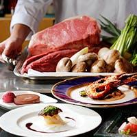 鉄板の上で繰り広げられる美食のパフォーマンス