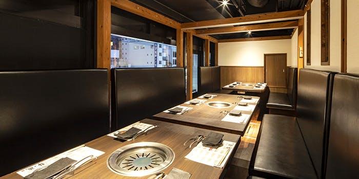 記念日におすすめのレストラン・黒毛和牛焼肉 薩摩 牛の蔵 大門店の写真1