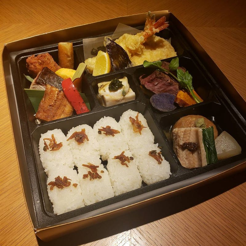 【テイクアウトプラン】素材にこだわった本格和食をご家庭で!(豪華大名幕の内弁当)