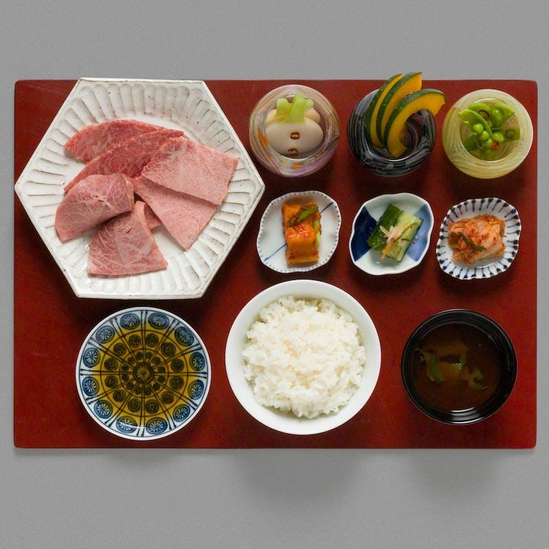 【特選焼肉ランチ】米沢牛の特選部位3種など全6品+1ドリンク