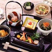 四季折々の日本料理の伝統を大切にしつつ時代のニーズに合わせた料理とサービスを提供