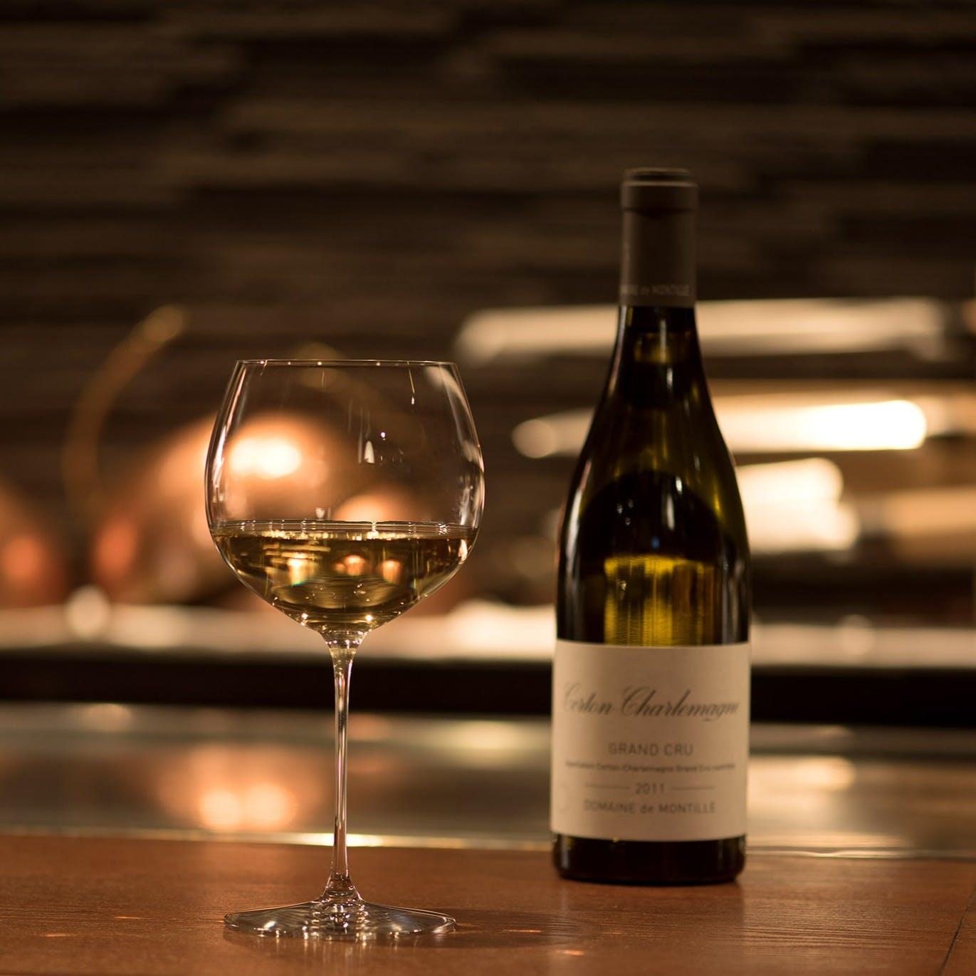 フランス産ワインや希少な日本酒など、選りすぐりの美酒をご用意