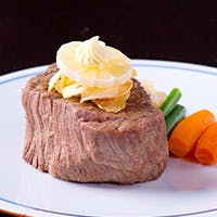 創業50年以上の老舗で味わうステーキ