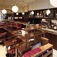 気品ある店内でパリの豊かな食文化を堪能