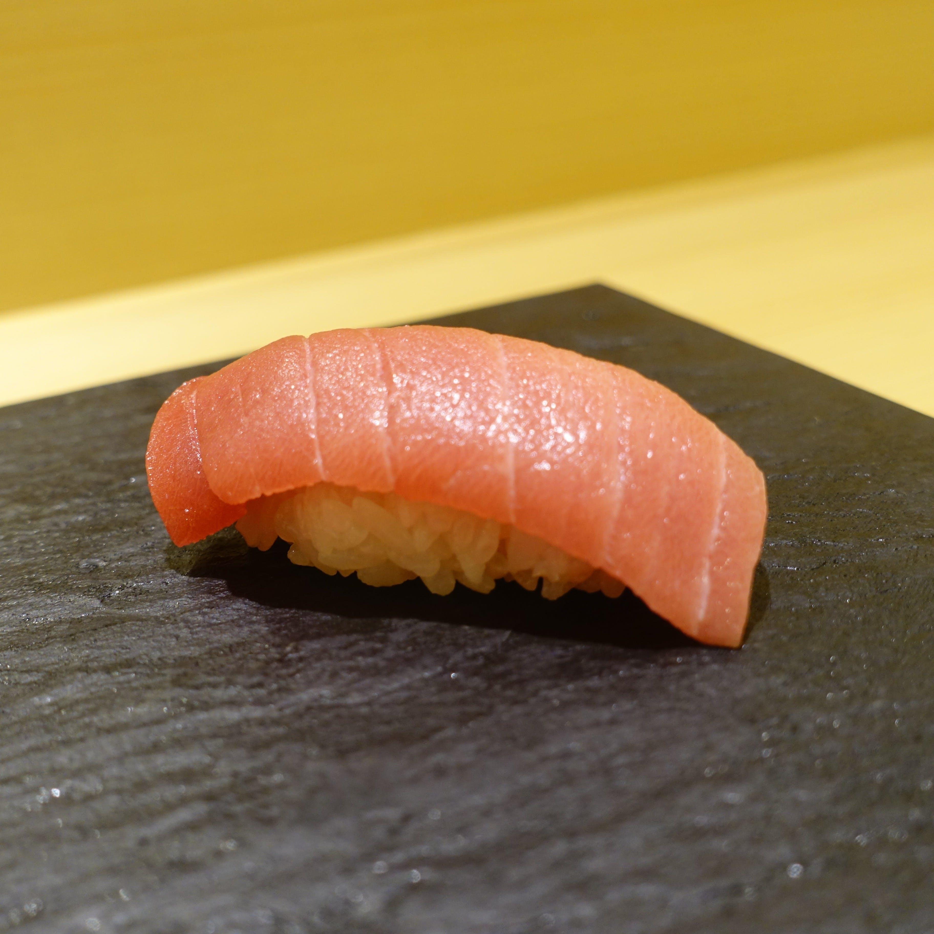 こだわりの鮨と日本酒