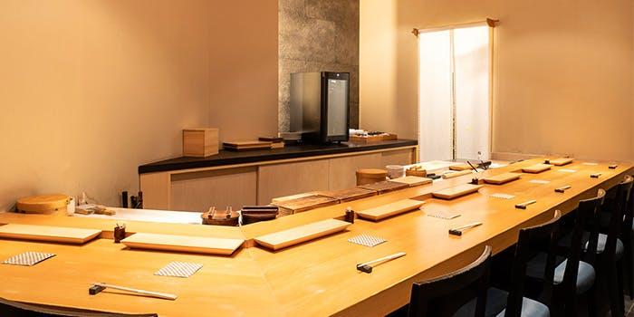 記念日におすすめのレストラン・鮨 くりや川の写真1
