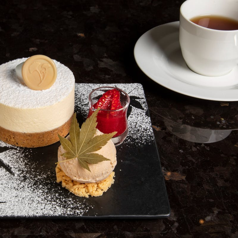 【期間限定】プレミアムレアチーズケーキ ~レアチーズケーキと紅茶のセット~+コーヒーまたは紅茶付き