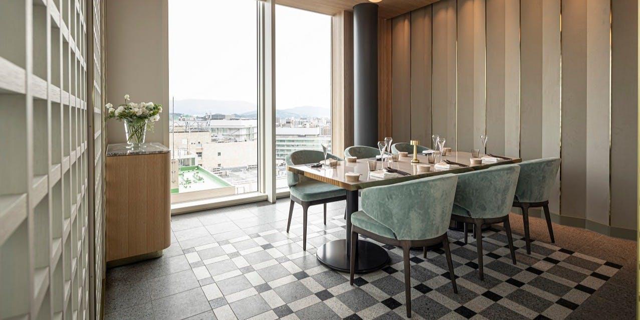 記念日におすすめのレストラン・SOMEWHERE RESTAURANT&BAR/都ホテル 博多の写真2