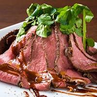 厳選ワインとメインのお肉料理は黄金の組み合わせ