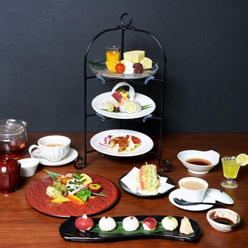 【百重懐石】日本の心とお料理の技を重ね合わせた3段重ねのミニ懐石