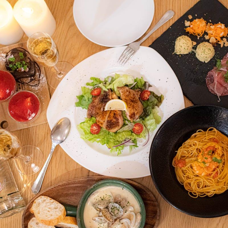 【カジュアルコース】前菜盛合せ・若鶏のタンドリーチキン・パスタ含む全8品+選べる1ドリンク
