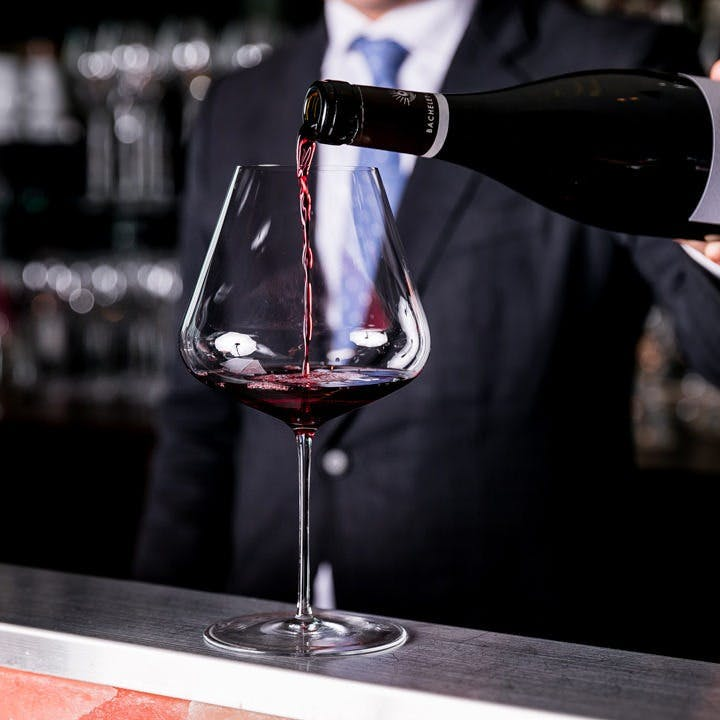 ソムリエ厳選のフランスワインは200種!