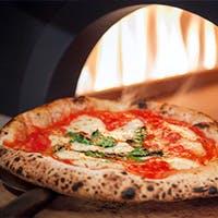 海の幸とピザ窯で焼いた本格ピッツァを堪能