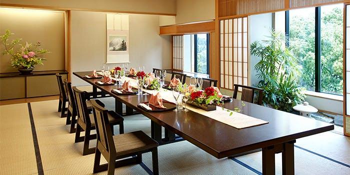 記念日におすすめのレストラン・千羽鶴の写真1