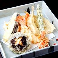 旬食材の旨味が凝縮されたこだわりの天ぷら