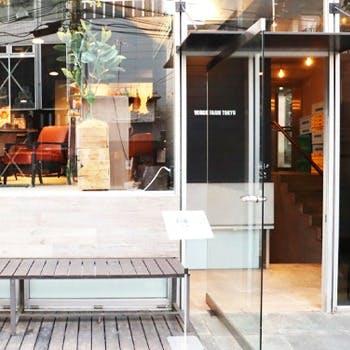 恵比寿・代官山の裏路地に現る、ガラス張りのお洒落な一軒家レストラン