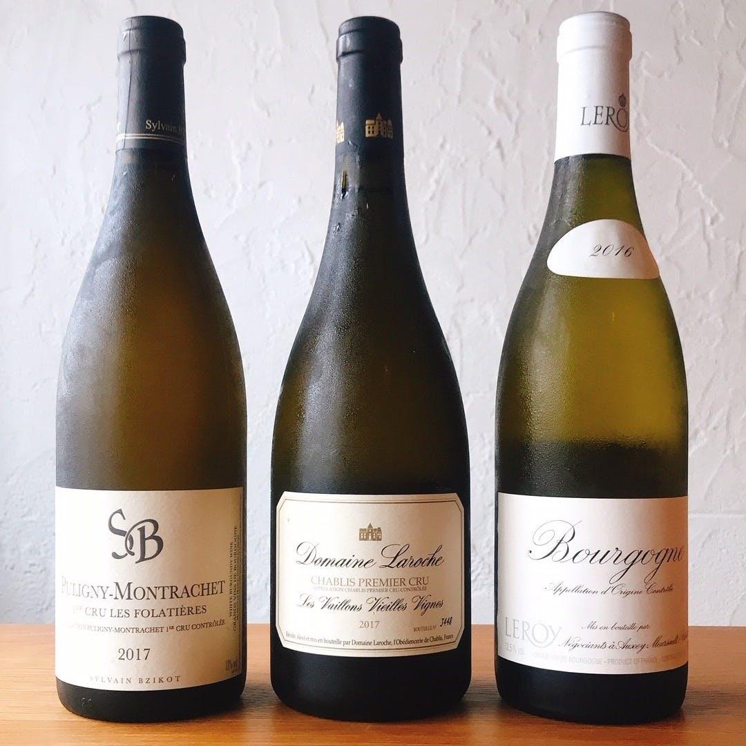 オーナーシェフ兼ソムリエの厳選ワインの数々