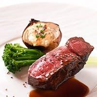 黒毛和種・うかい特選牛と旬の食材を五感で食す、うかいの鉄板料理