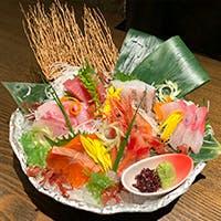 厳選日本酒を豊富に常備、直送鮮魚もあわせてご賞味あれ