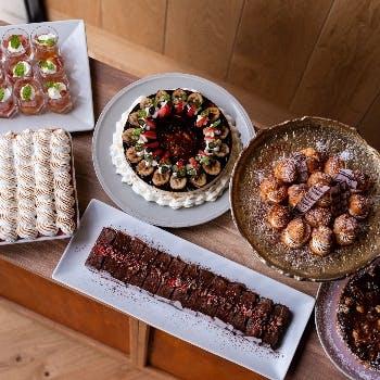 【土日祝日ランチ】選べるメイン&パスタやデザート盛合せなど全8品