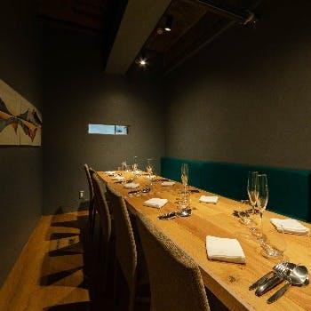大切な接待に、人生のハレの日に、大切な記念日に、シーンに合わせて利用頂ける個室空間。