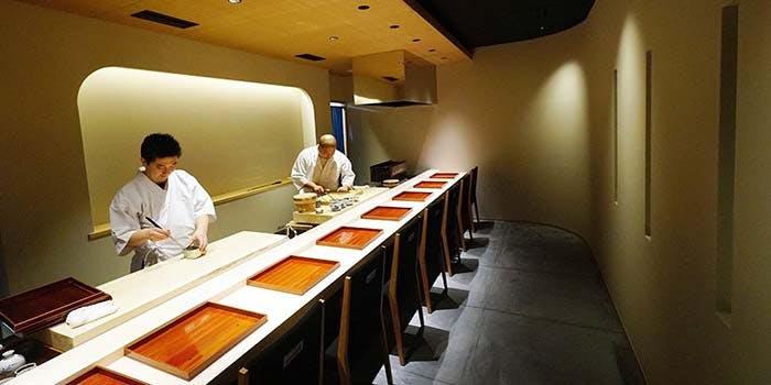 記念日におすすめのレストラン・鮨料理  一高の写真1