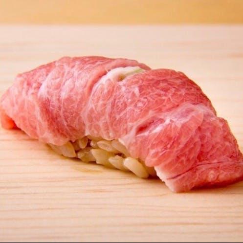 厳選食材とこだわりの酢飯を使用したお鮨