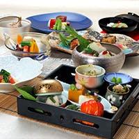 陸海の幸が詰まった日本料理