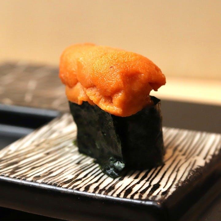 深いことは考えず、好きなお酒と好きなお寿司で心から楽しむお時間を
