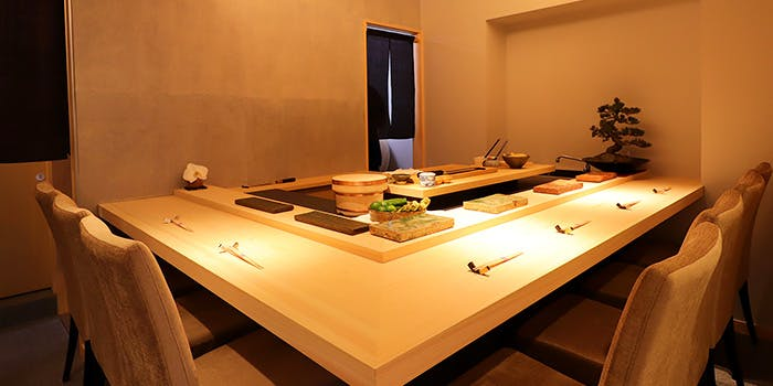 記念日におすすめのレストラン・鮨 季和の写真1