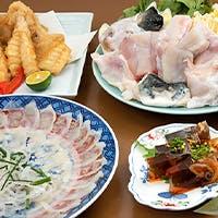 一流の料理人の技が光る、ふぐ尽くしの料理の数々