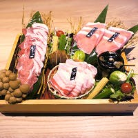 沖縄県の銘柄豚「あぐー豚」のしゃぶしゃぶ