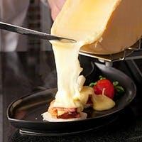 ワインとの相性も抜群!ハイジのラクレットチーズ