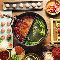 麻辣の赤、上湯の白の二色で愉しむ絶品薬膳鍋