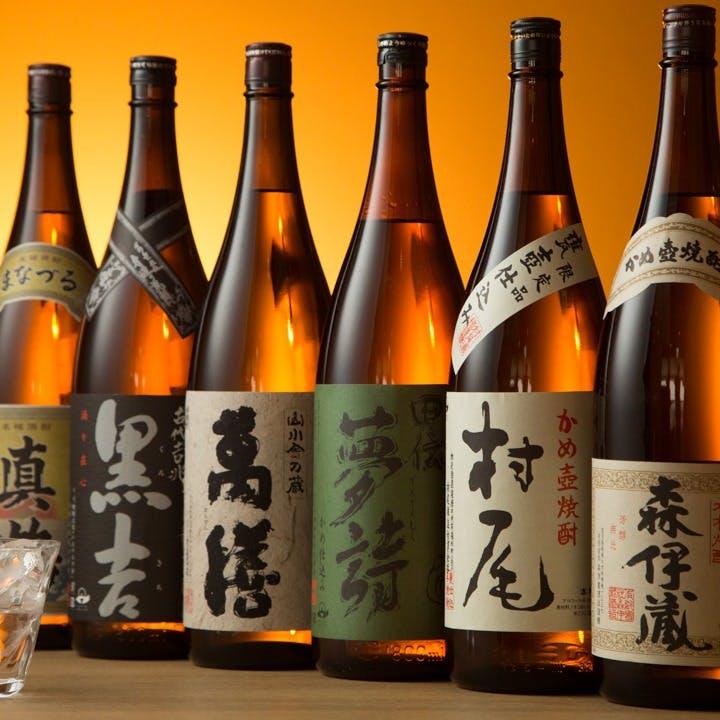 常時30~40種の品揃えを誇る焼酎・日本酒をご用意